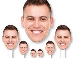 Face Cutout